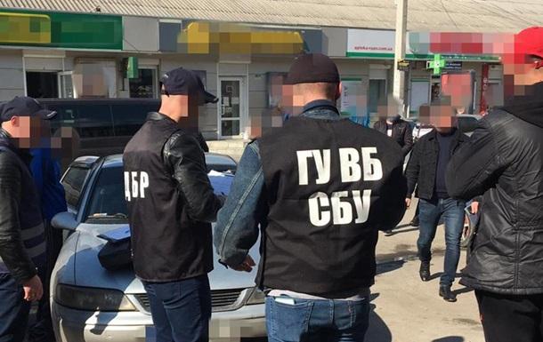 Поліцейські продавали амфетамін і шантажували покупців - СБУ