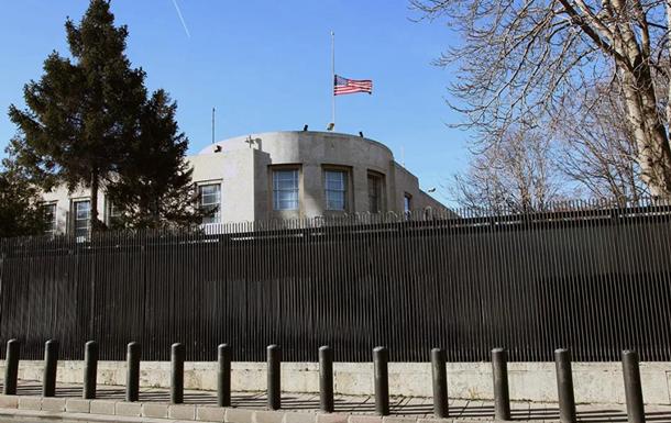 В Турции временно прекратят работу диппредставительства США