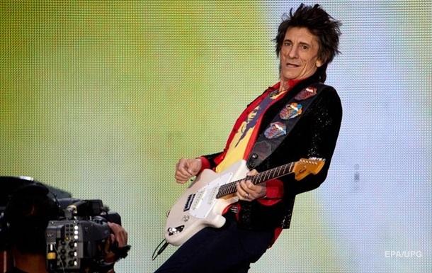 Гитарист The Rolling Stones дважды победил онкологию