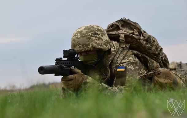 На Донбасі поранено бійця ЗСУ