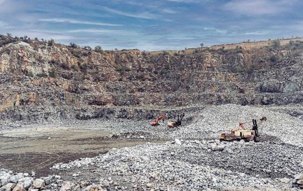 У Запоріжжі чиновника підозрюють у незаконному видобутку граніту