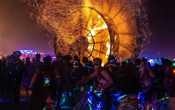 Фестиваль Burning Man отменили во второй раз