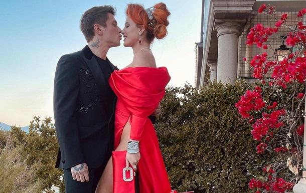 Белла Торн поділилася фото із заручин
