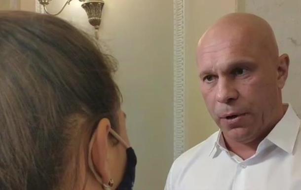 Кива призвал журналистов к 'глубокому уважению'
