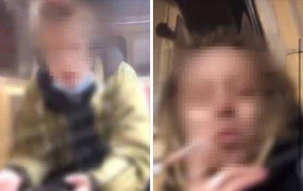 Поліція розшукала пару, яка курила в метро Києва
