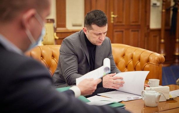 Зеленский подписал закон о восстановлении выплаты больничных