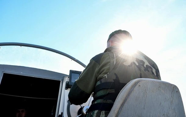 Прикордонники виявили літак з контрабандою, що порушив кордон