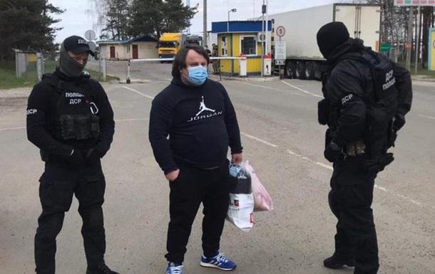 Украина выдворила в РФ двух российских уголовных 'авторитетов'