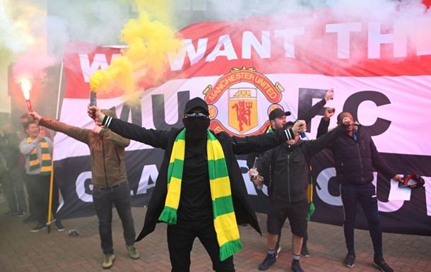 Матч МЮ с Ливерпулем перенесен на другой день