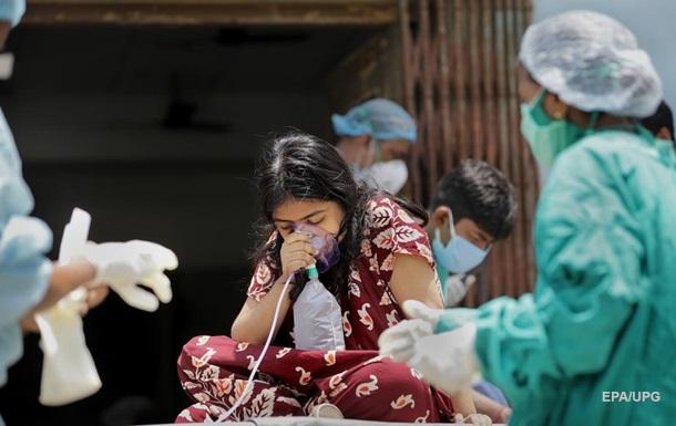 Половину COVID-больных мира обнаружили в Индии