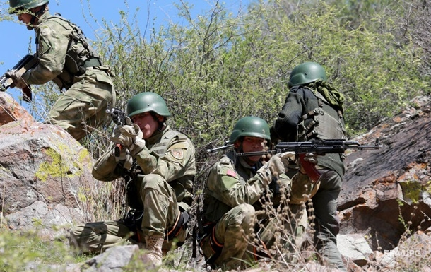 Киргизстан і Таджикистан відвели сили від кордону