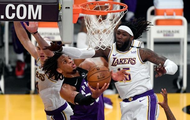 НБА: Рэпторс обыграли Лейкерс, Оклахома Михайлюка уступила Финиксу