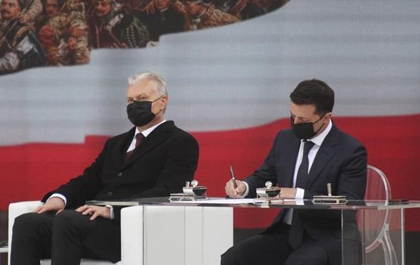 Зеленський у Польщі підписав маніфест п яти країн