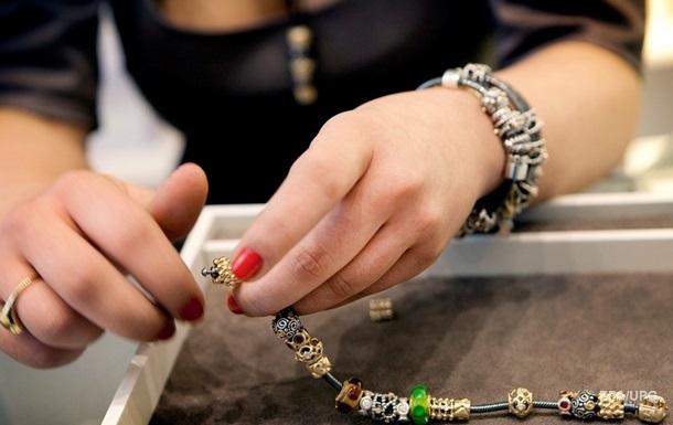 Ювелирный бренд Pandora отказался от натуральных алмазов