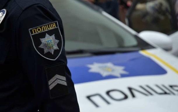 В Харькове мужчина с ножом ограбил ломбард