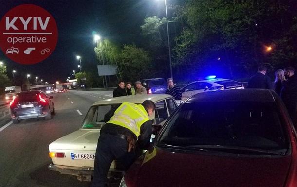 В Киеве таксист устроил тройное ДТП