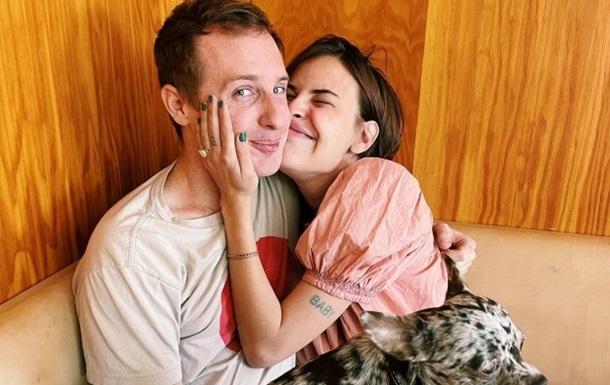 Младшая дочь Брюса Уиллиса объявила о помолвке