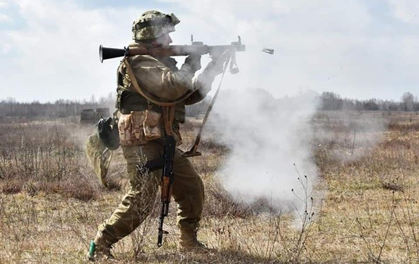 Сутки в ООС: 20 обстрелов, ранены два бойца ВСУ