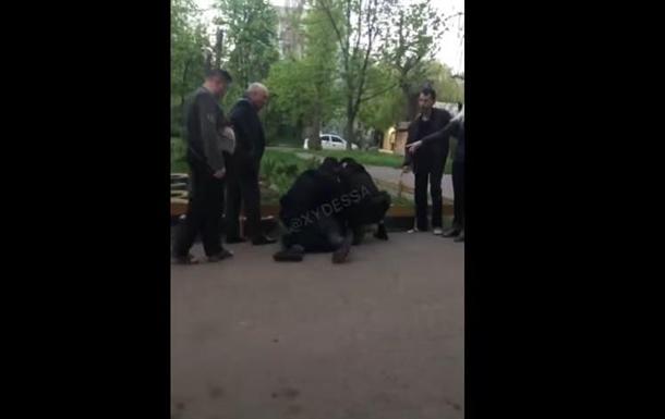В Одессе пьяный мужчина напал на ребенка