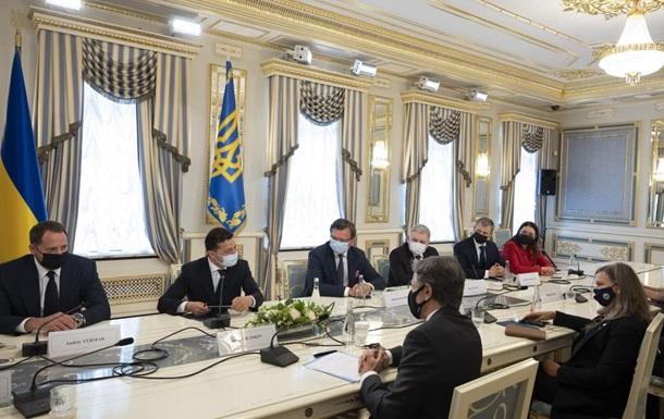 Зеленский попросил США помочь в деоккупации Крыма