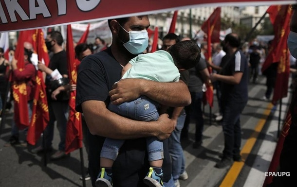 В Греции начались массовые забастовки