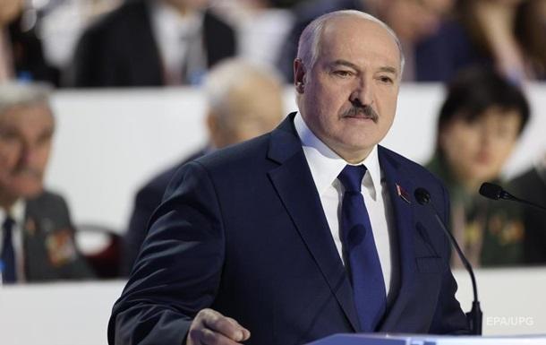 Лукашенко о досрочных выборах: Только параллельно с США