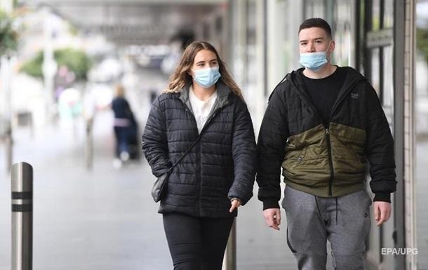 Полякам дозволили не носити маски на вулиці