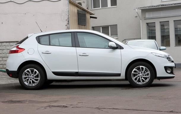 Украинцы за месяц купили почти 40 тысяч подержанных авто