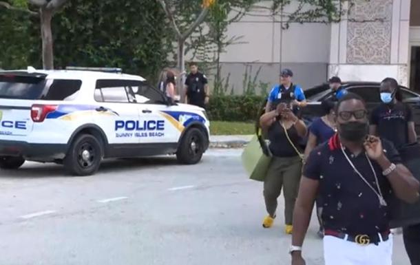 Во Флориде неизвестный устроил стрельбу в ТЦ