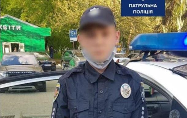В Запорожье подросток  наводил порядок  в полицейской форме