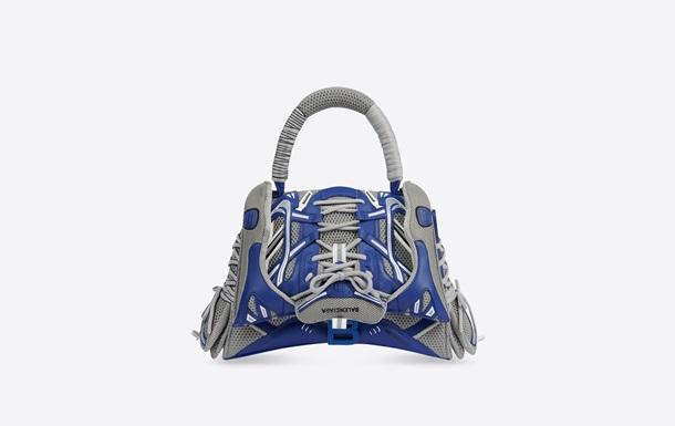 Balenciaga представил сумку из кроссовок