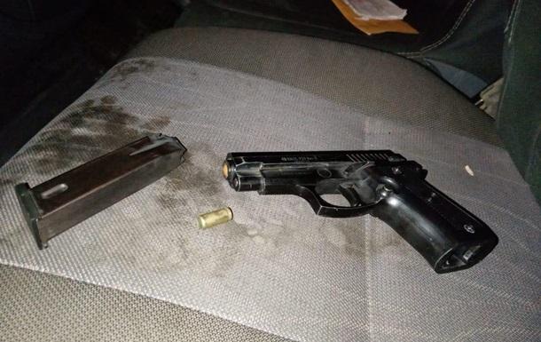 На Закарпатье мужчина устроил стрельбу по детям