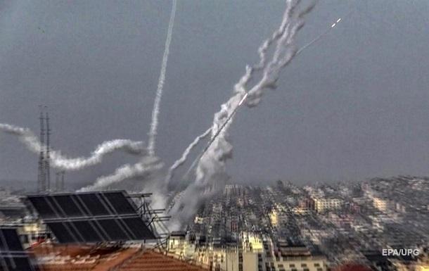 В сторону Тель-Авива полетели десятки ракет