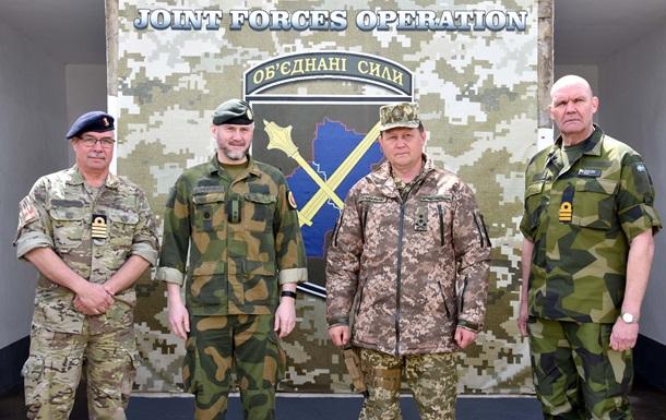 Трое иностранных военных атташе посетили Донбасс