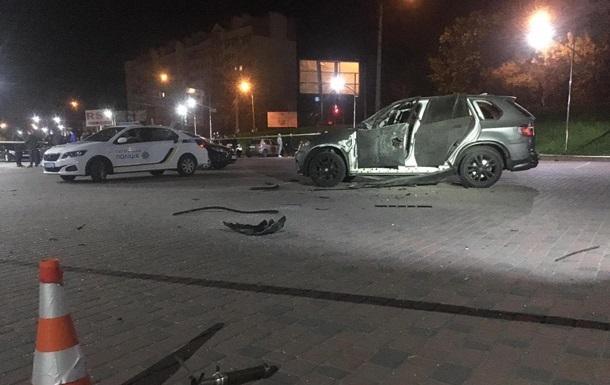 В Ивано-Франковске внедорожник обстреляли из гранатомета