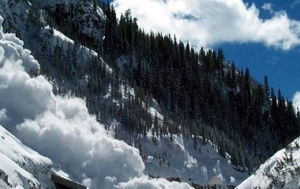 В Карпатах объявлен третий уровень опасности из-за угрозы лавин