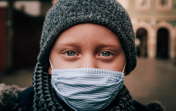 Коронавірус негативно впливає на роботу мозку половини хворих