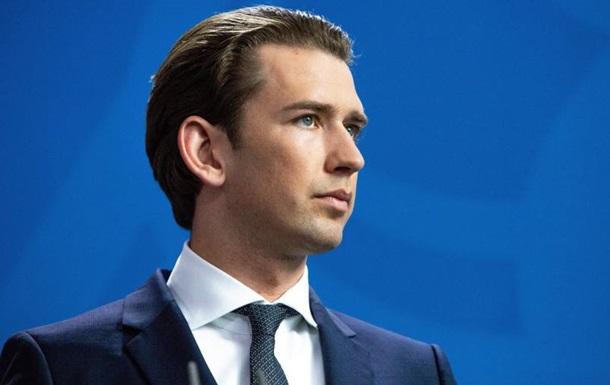 Канцлера Австрии подозревают в даче ложных показаний