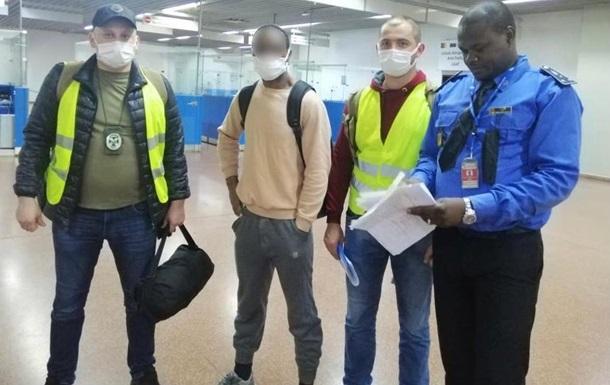 В МВД сообщили, сколько иностранцев выдворили из страны с начала года