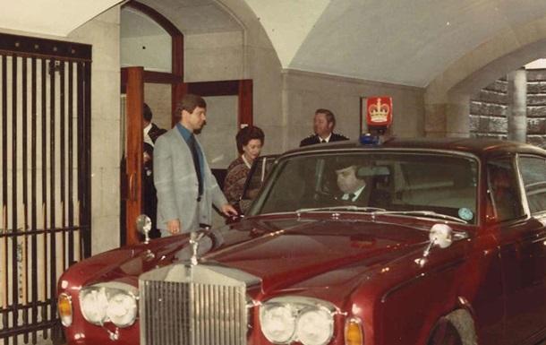 Rolls-Royce сестри Єлизавети II продадуть менш ніж за 100 тисяч євро