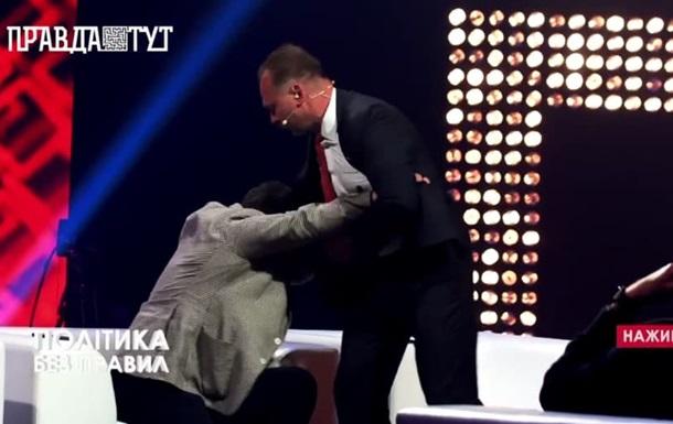 Экс-нардеп Барна в прямом эфире набросился с кулаками на  слугу народа