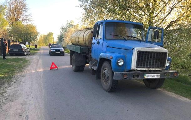 У Рівненській області дитина загинула під колесами вантажівки
