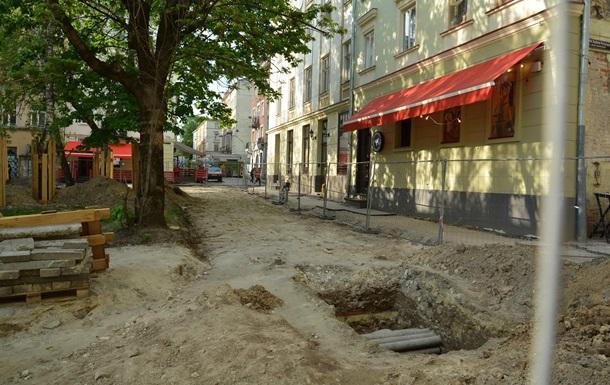 Во Львове обнаружили фрагменты средневековой стены