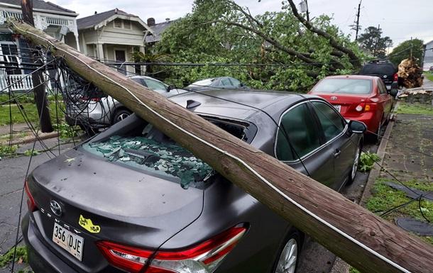 Торнадо в США повредил дома и авто