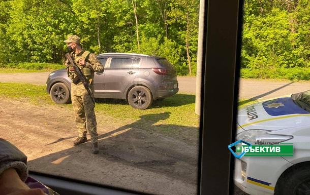 СБУ проверяет машины на въезде в Харьков