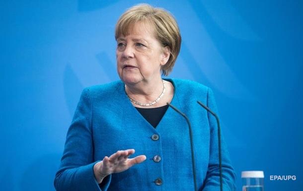 Меркель осудила ракетные обстрелы Израиля