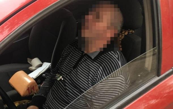 Во Львове пьяный водитель уснул во время составления на него админпротокола