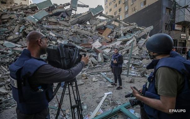 Израиль раскритиковали за удар по офисам СМИ в Газе