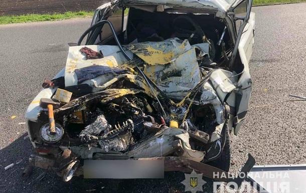 На Харьковщине в ДТП с участием микроавтобуса погибли два человека
