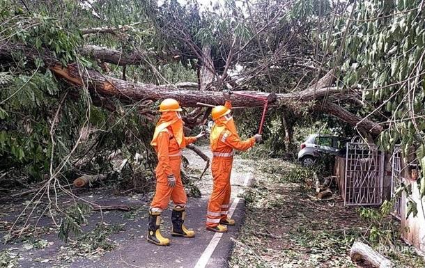 Индию накрыл мощный циклон